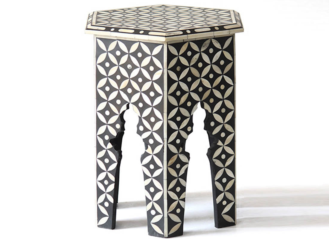 Curved Flower Diamond Pattern Stool