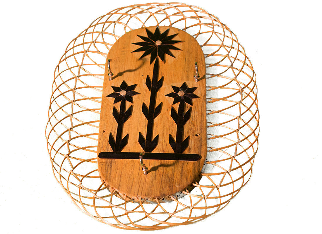 Floral design bamboo wall key holder