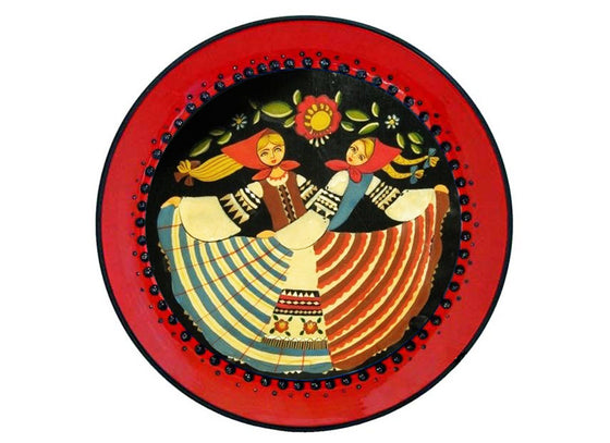 Russian dolls design red wall plate