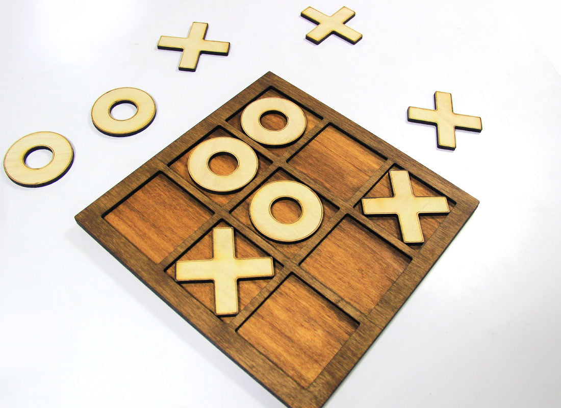 X and 0 Wooden Board Game Set