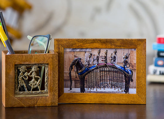 2 In 1 Pen Stand With Photo Frame