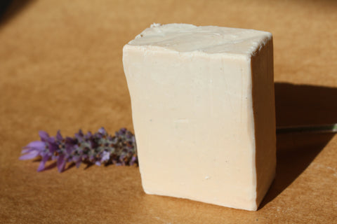 Goats Milk with Lavender & Manuka oil