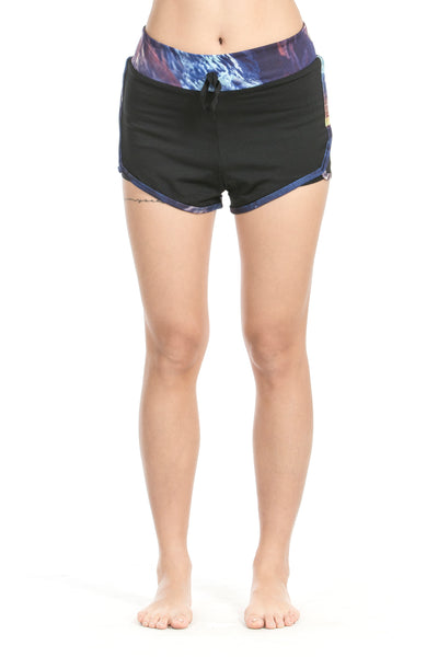 MISS RUNNER - SHORTS - VEGA TRAINING - She Collective HK