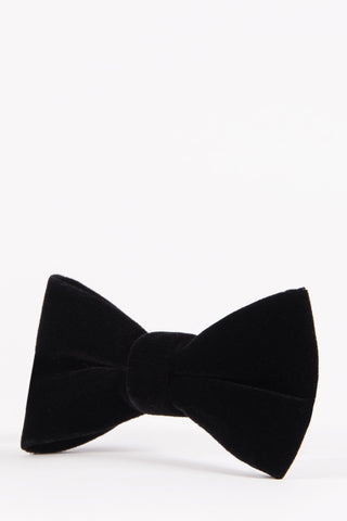 products/4-black-velvet-luxury-party-bowtie-evening-accessory-mens-marc-darcy-tie-bowties_2048x_03ba253c-9882-4fa0-b294-26422bd7344c.jpg