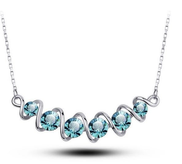 Twisted Short-Chain Crystal Necklace