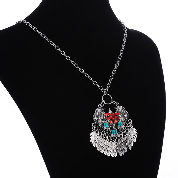 Sizz Tassel Leaves Pendant Necklace