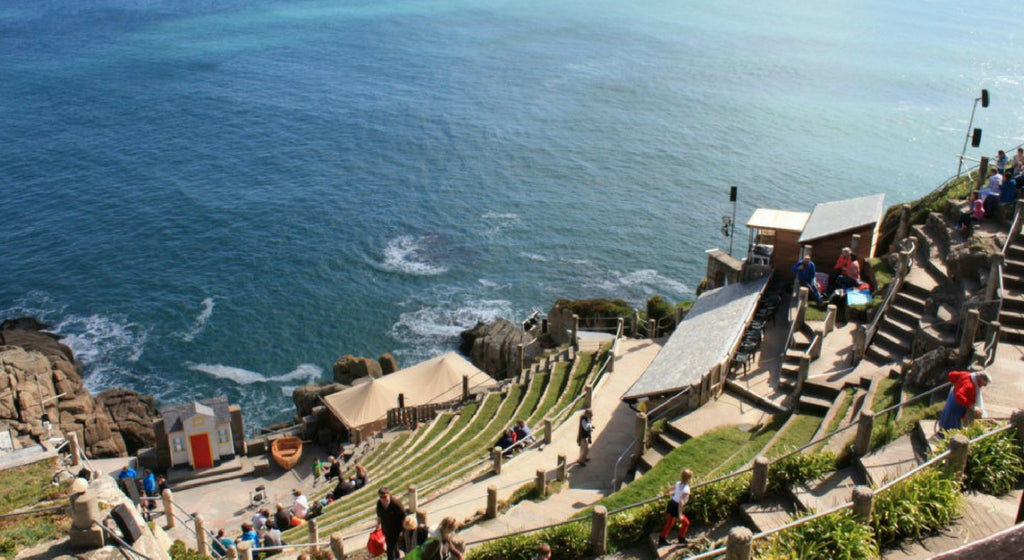 Minack Theatre – Wow What A Dramatic Stage!