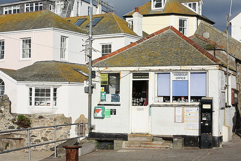 smeatons pier harbour office st ives cornwall