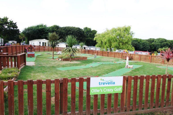 Glamping Trevella Park Cornwall - Crazy Golf
