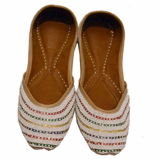 P-JUTI1347 Punjabi Jutti with White Beads