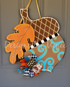 Acorn with Leaf Fall Seasonal Door Hanger