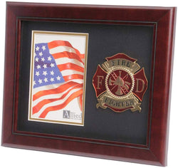 US Firefighter Medallion Portrait Picture Frame - 4 x 6 Picture Opening
