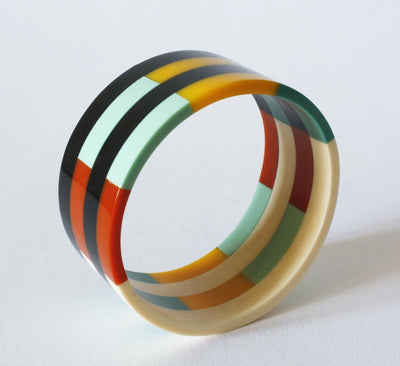 Vintage Mod Lucite Stripe Bangle