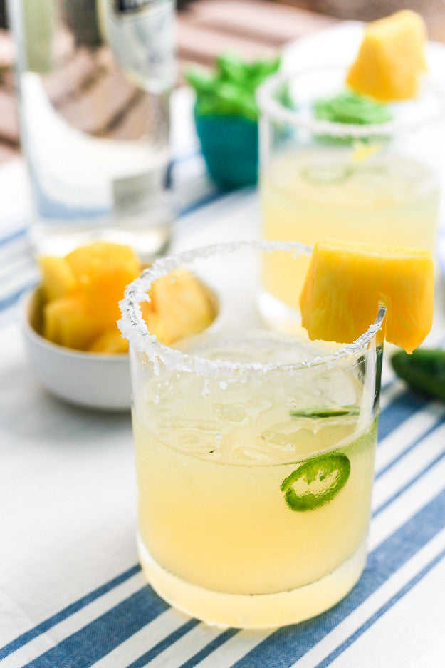 Cocktail Hacks : Spicy Pineapple Margarita