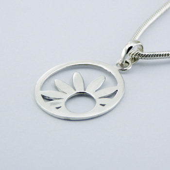 CatBatik, Sterling Silver Polished Daisy Necklace, Necklace