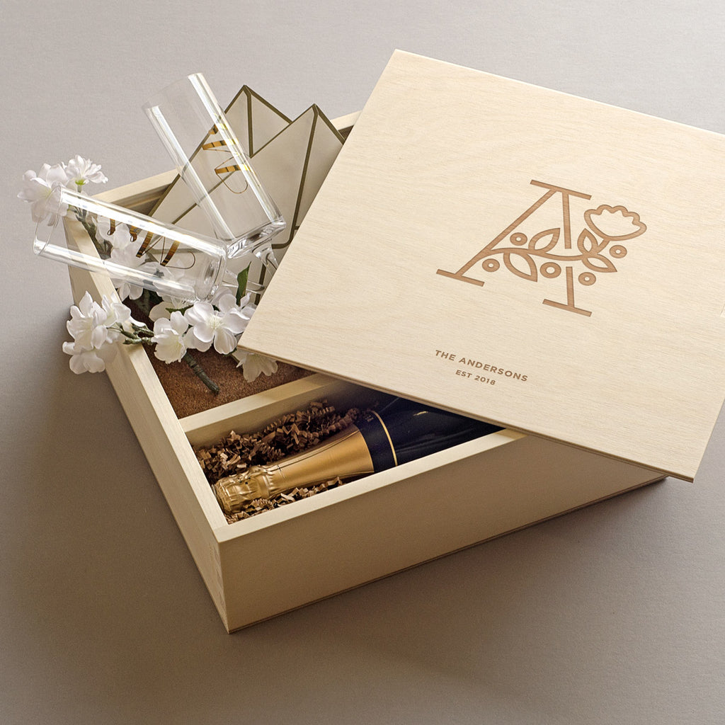 The Botanist - Keepsake Ceremony Wine Box with Glasses