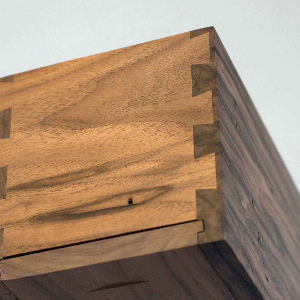 Walnut Uno - Inlaid Wine Box - Detail Image 6