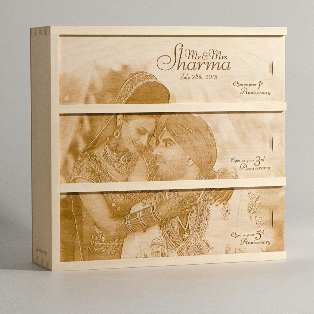 Photo Anniversary Wine Box - by WineforaWedding