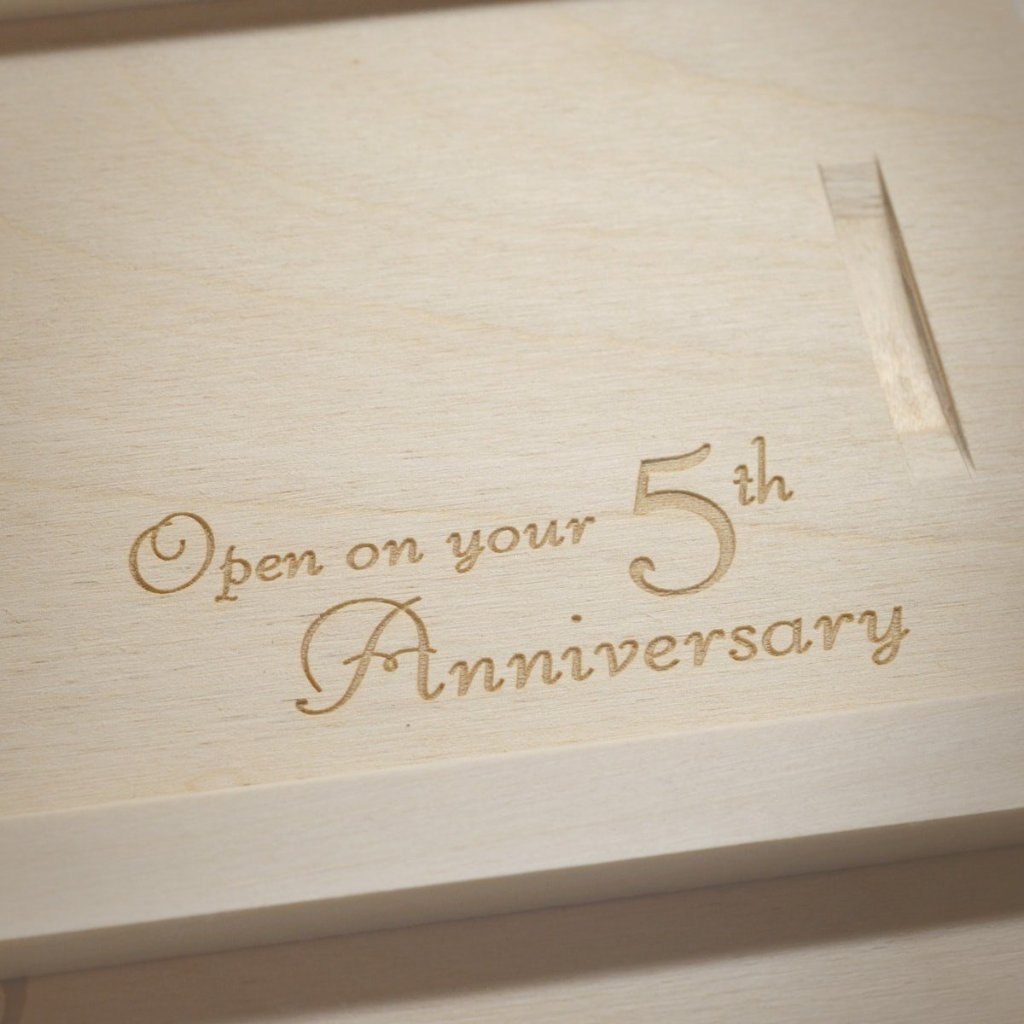 Cara Trees Anniversary Wine Box - Detail Image 2