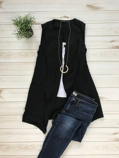 DANIELLE BLACK COLLARED VEST WITH POCKETS