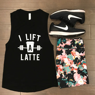 I LIFT A LATTE BLACK GRAPHIC FLOWY SCOOP MUSCLE TANK