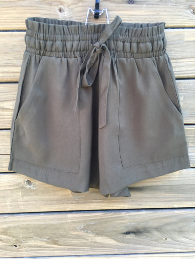 SHORTY GET LOOSE OLIVE SHORTS