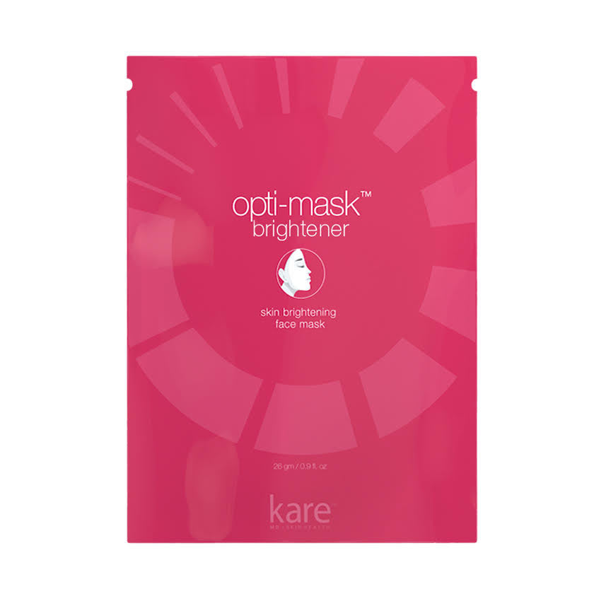 An invigorating face sheet mask that stimulates cellular renewal with an accelerated infusion of skin brighteners. Our optifiber delivery system is hypoallergenic and delivers a smooth coat of brightening serum onto the skin.