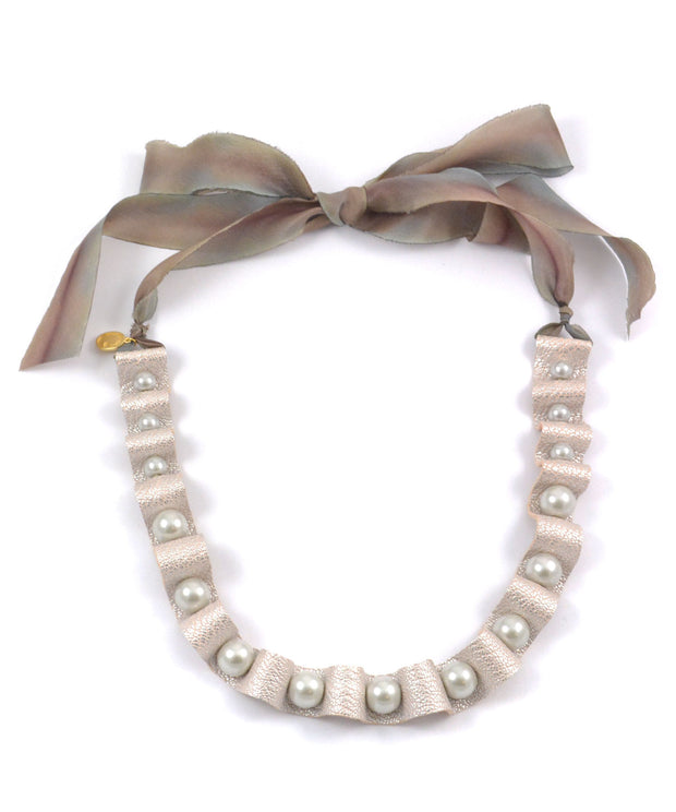 The Elizabethan Collar Pearl Necklace 1