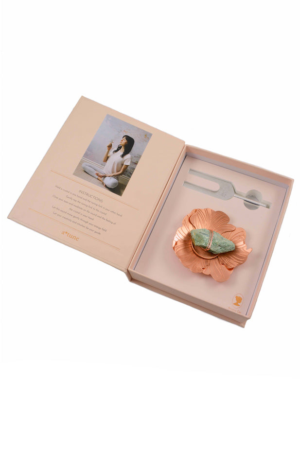 Sound Healing Crystal Kit - Tuning Fork and Flower Crystal Dish Set 1