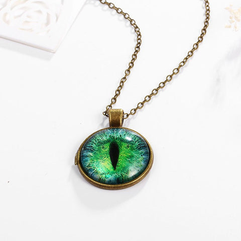 Charming Cat Eye Pendant Necklace