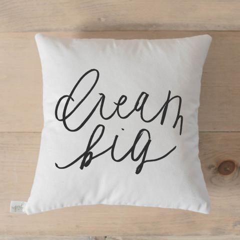Throw Pillow -Dream Big