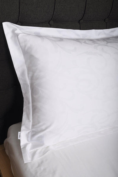 beddley.com The Château White <br>Jacquard Duvet Cover Set (NEW) with three sided open easycare zipper