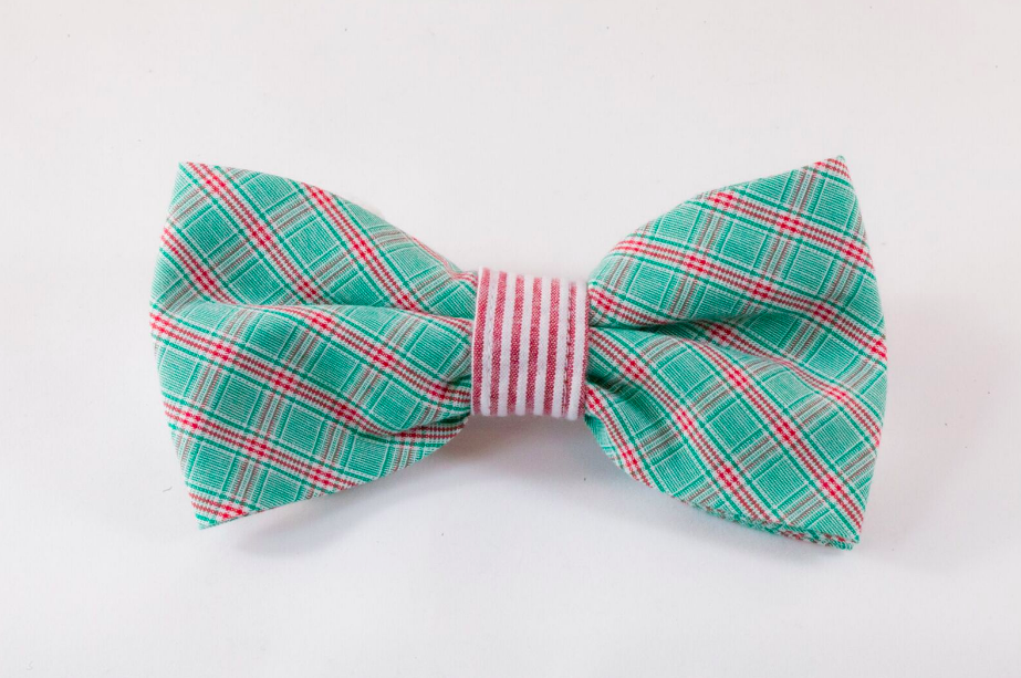 Green and Red Christmas Plaid Seersucker Dog Bow Tie