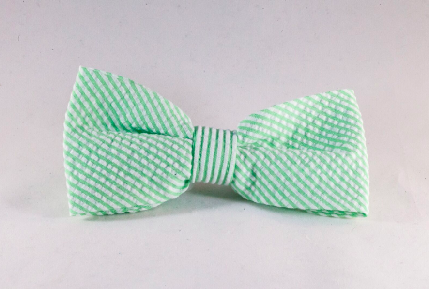 Preppy Green Seersucker Dog Bow Tie