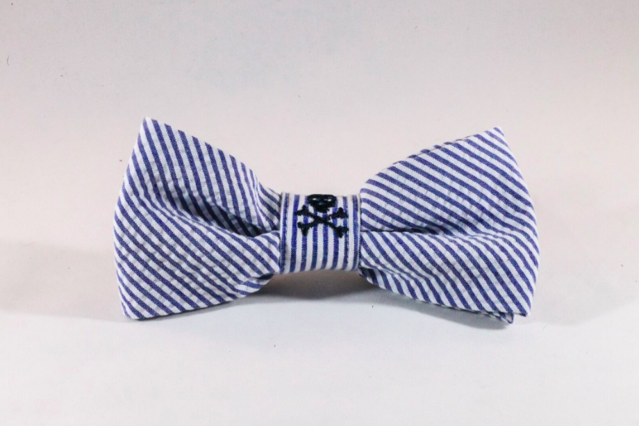 Preppy Navy Blue Skull and Cross Bones Seersucker Dog Bow Tie
