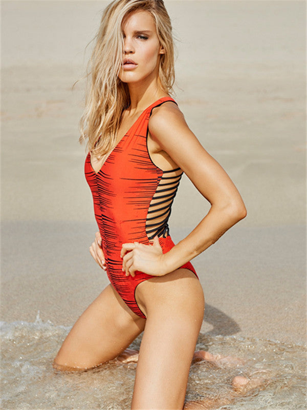 Sexy Hollow-out Multi-Line Rope Back Printed One-piece Swimsuit - WealFeel