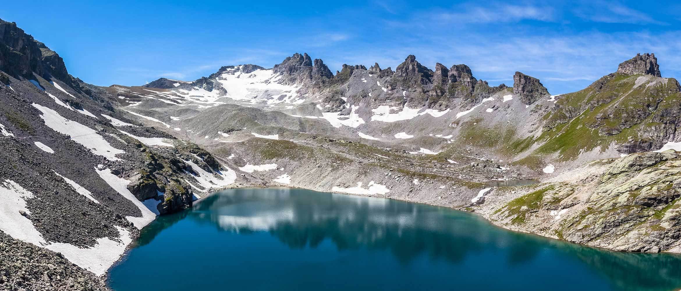 5 Seen Wanderung - Switzerland's Five Lake Hike | WildBounds