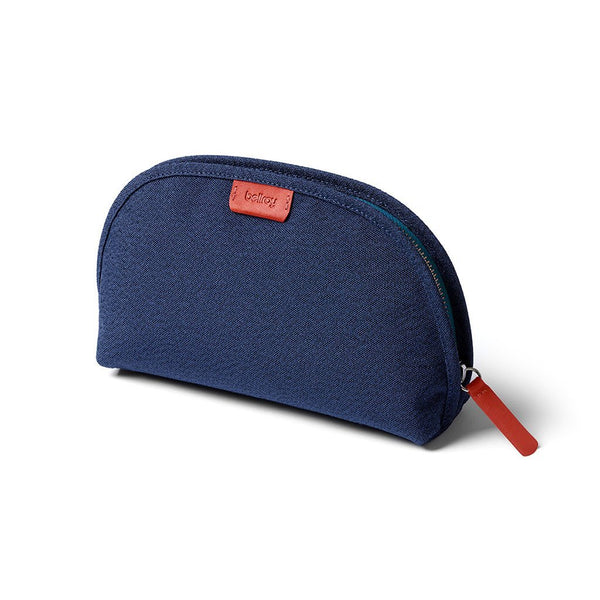 Bellroy | Classic Pouch | EDC Pouch | Travel Washbag | Organiser Pouch, ECPA-BNE-208, Blue Neon