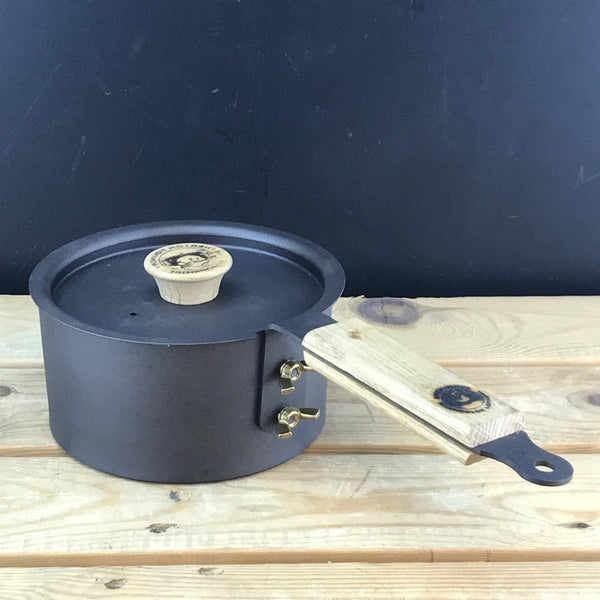 "6"" Spun Iron Glamping Pot with Lid Netherton Foundry NFS-185 Outdoor Cookware One Size / Black"