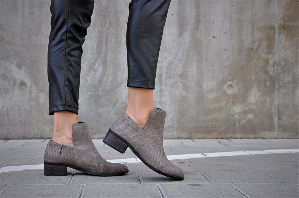 Francesca - Gray Taupe - Abramey Shoes