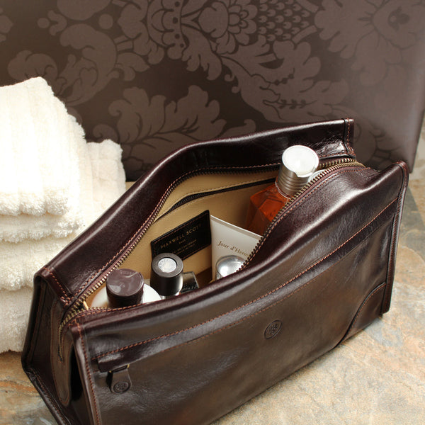 f1b668c889 Luxury Men s Brown Leather Travel Wash Bag - The Leather Vault of Stamford