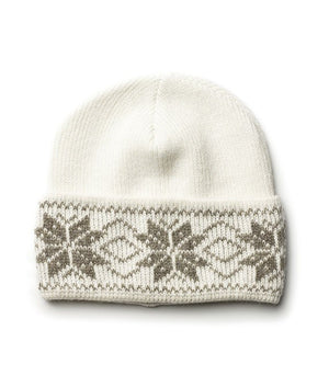 White nordic wool hat with beige pattern
