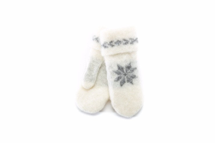 White brushed wool mittens wit grey nordic pattern