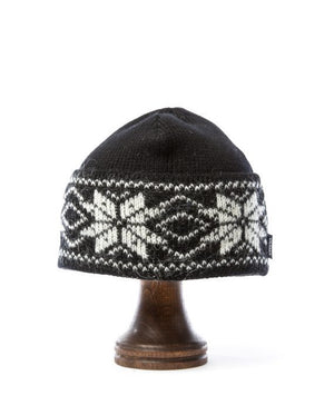 Black nordic wool hat with white pattern Icelandic design