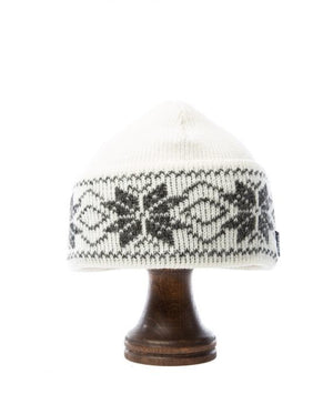 White nordic wool hat with grey pattern Icelandic design
