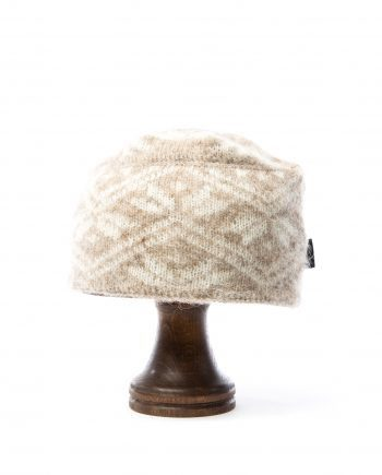 Woman beige and white brushed wool hat. Leaf patter