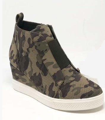 Kickin It Wedge Sneaker - Camo