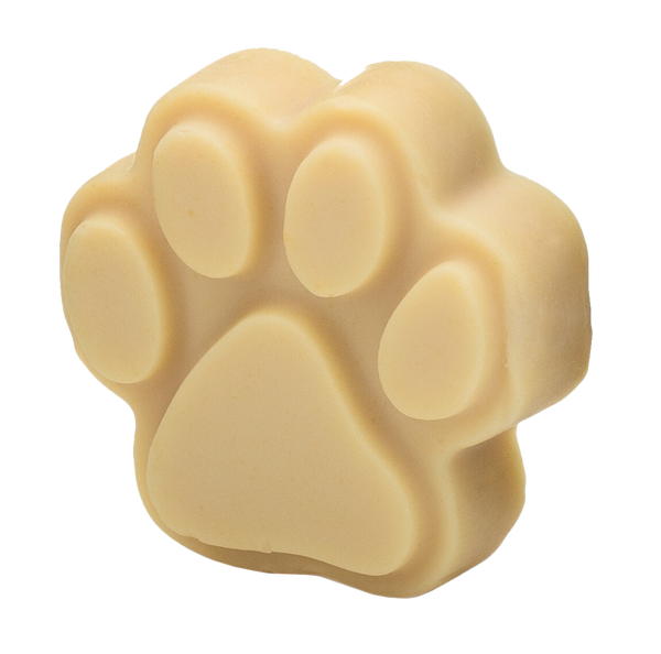 The high fat content in sheep's milk gives the Ewegurt Paw Shampoo Bar a luxurious lather which rinses completely clean. The therapeutic-grade essential oils in the bar promote healthy skin and coat!