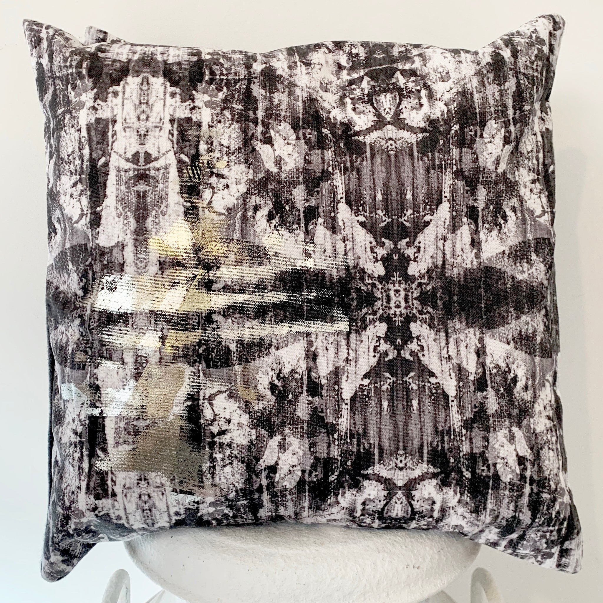 Cushion Industrial Glamour Collection