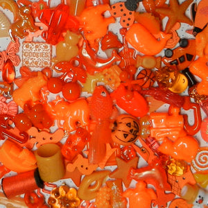 ORANGE color sorted trinkets (20)